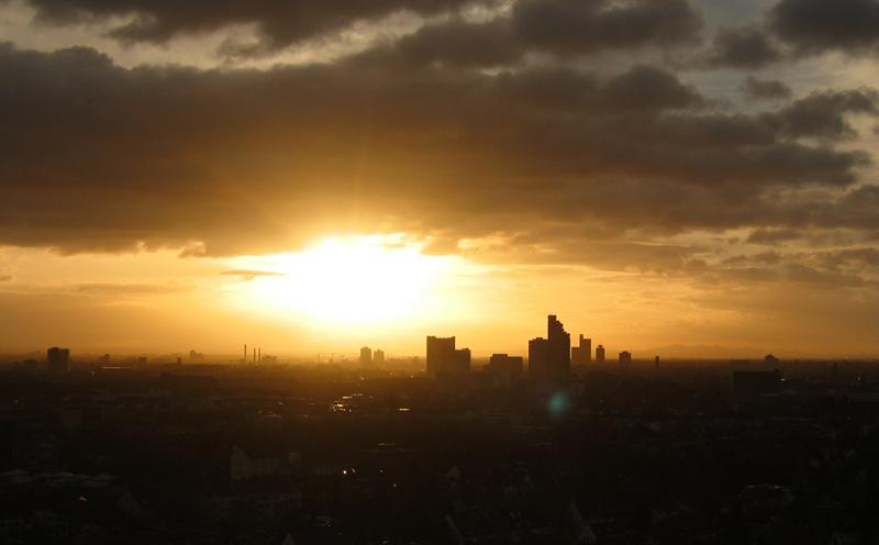 Morgentliche Skyline & Frage