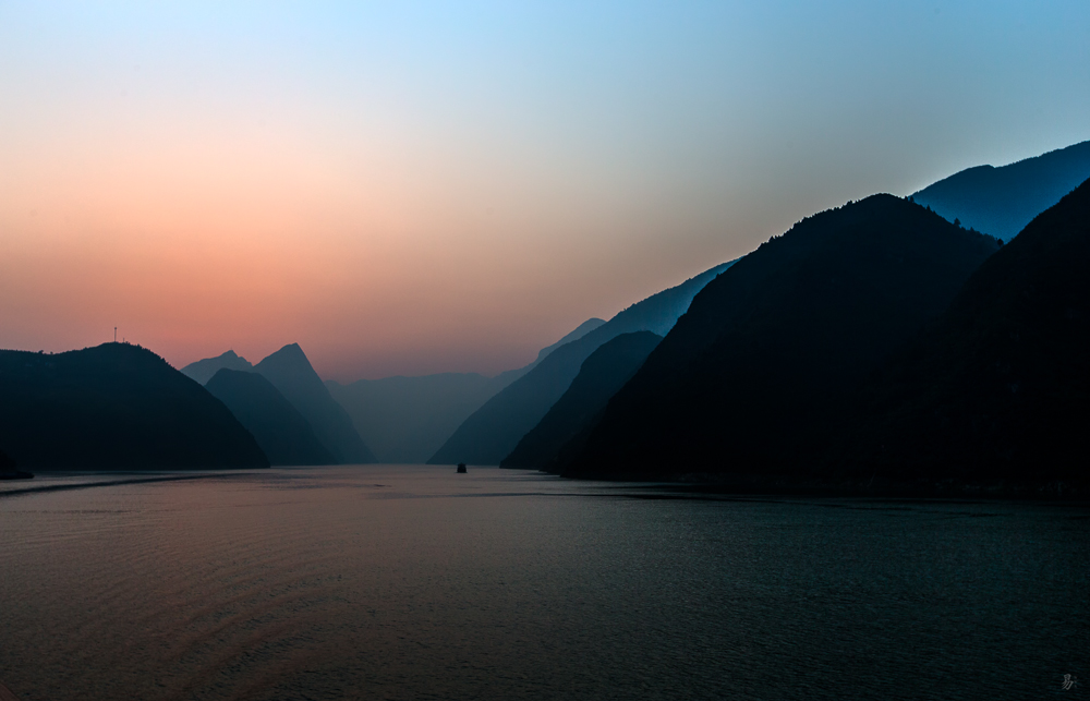 morning over yangtze