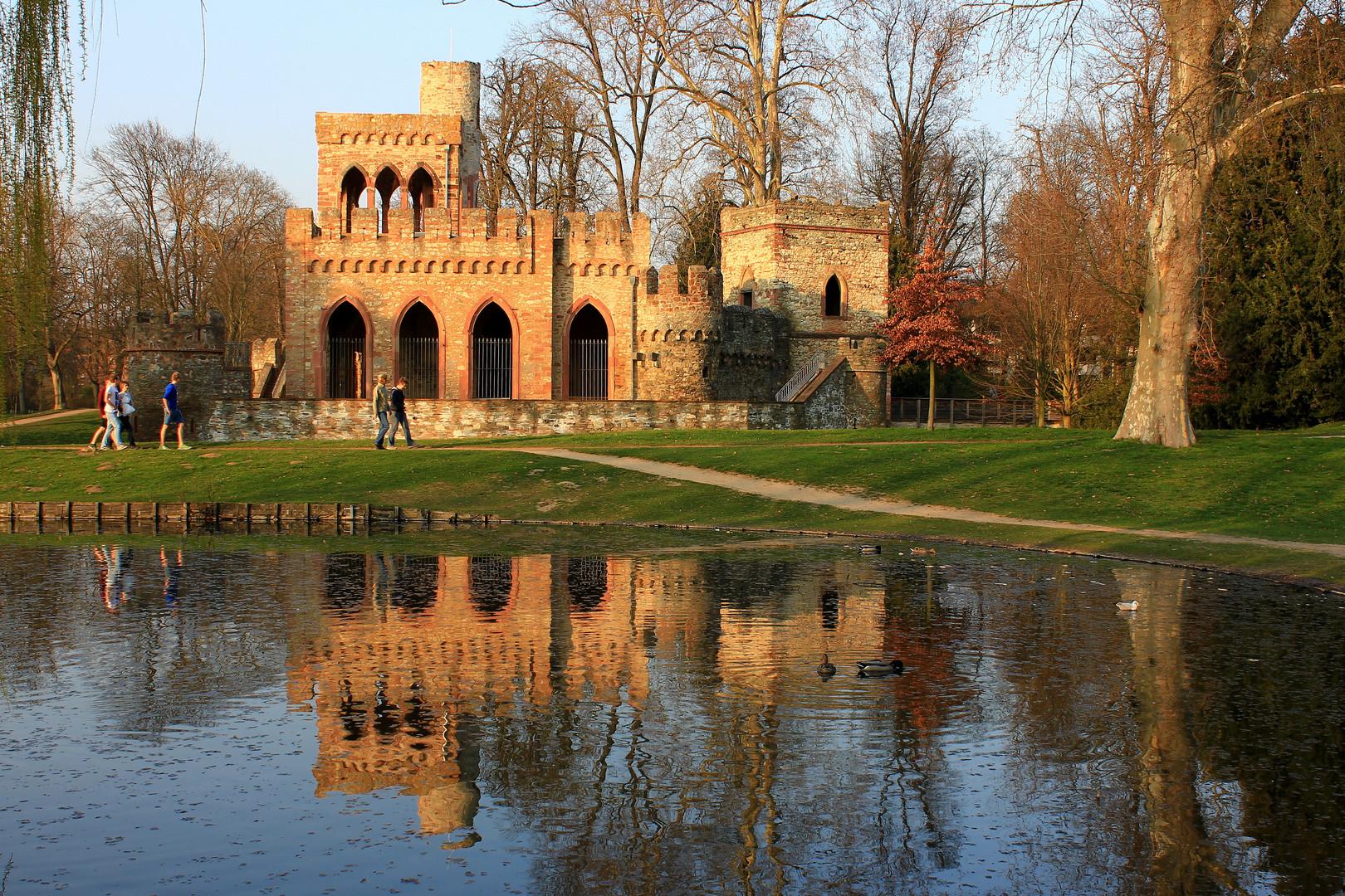 Mosburg im Schlosspark WI-Biebrich