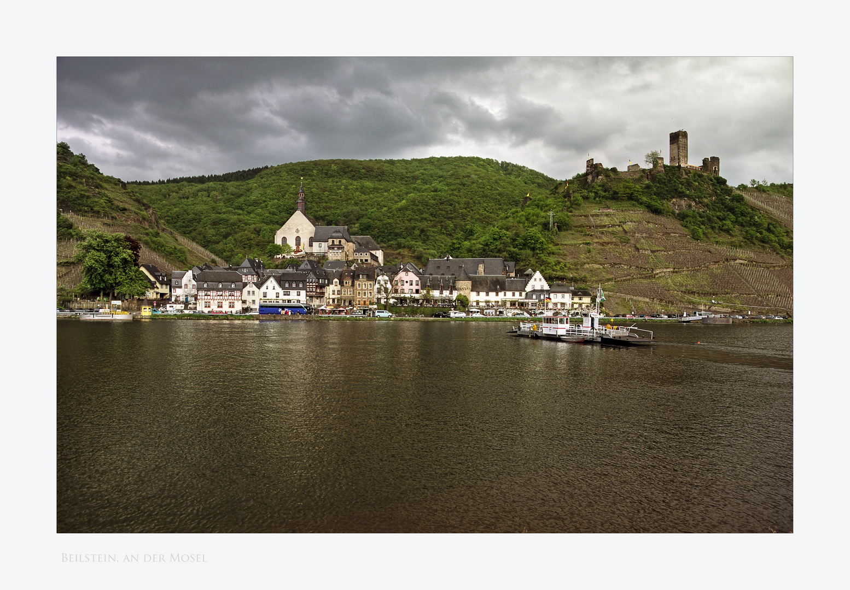 """Mosel - Impressionen """" Blick auf Beilstein, und Burg Metternicht.."""""""