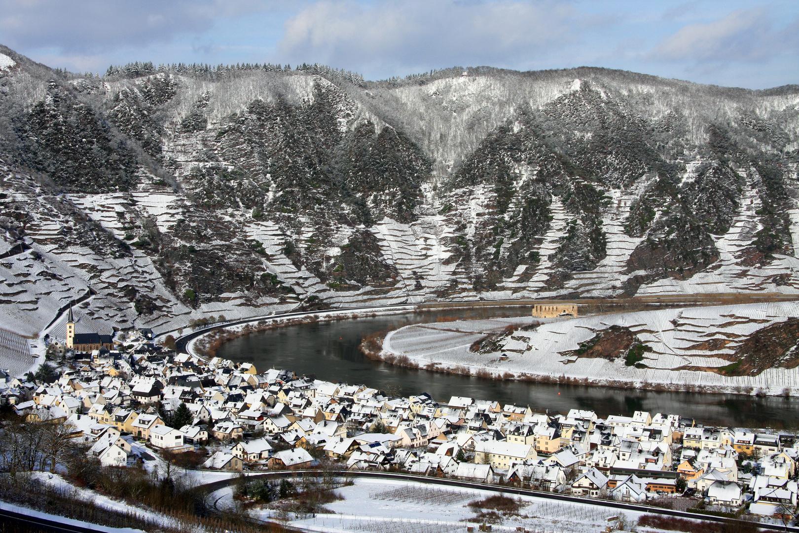 Moselort Bremm im Schnee