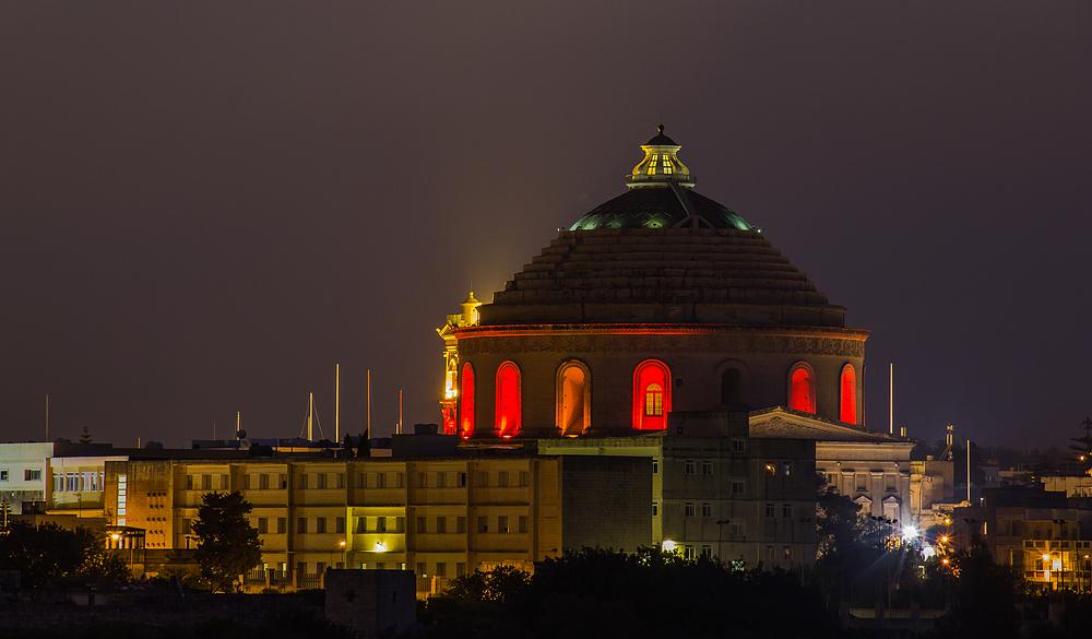 Mosta Dome in Malta bei Nacht