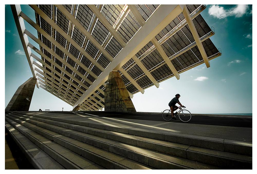 """Mostra collettiva """"Barcellona: In&Out"""" - 13. Pannello Solare + Ciclista"""