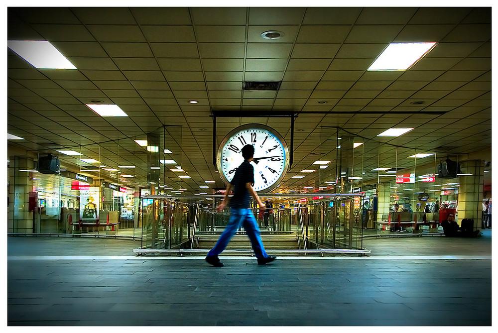 """Mostra collettiva """"Barcellona: In&Out"""" - 15. Metro, l'orologio"""