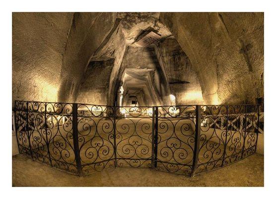 """Mostra collettiva """"Ci parlano..."""" - Visita all'Ossario delle Fontanelle, Napoli - 1."""
