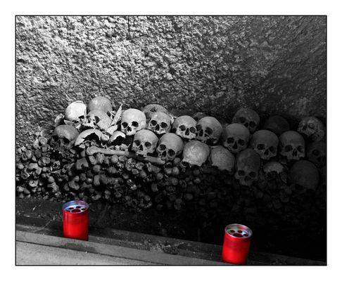 """Mostra collettiva """"Ci parlano..."""" - Visita all'Ossario delle Fontanelle, Napoli - 6."""