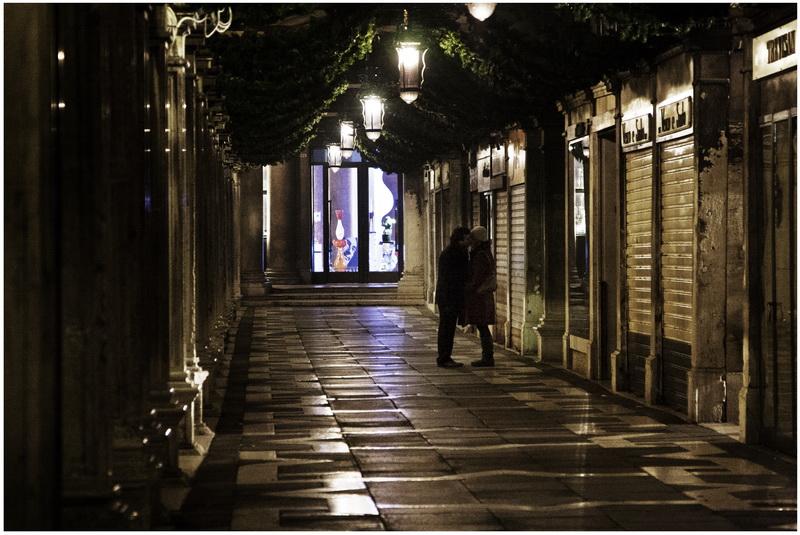 Mostra collettiva Fiorentini-Lattuada: 05 - ONE NIGHT_IN VENICE 01:44