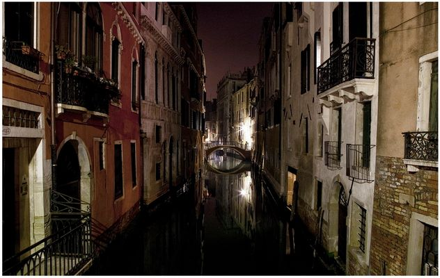Mostra collettiva Fiorentini-Lattuada: 15 - ONE NIGHT IN VENICE 02:39