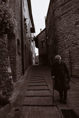 """Mostra collettiva: """"Tra le mura di Assisi"""" - 15. La strada verso casa"""