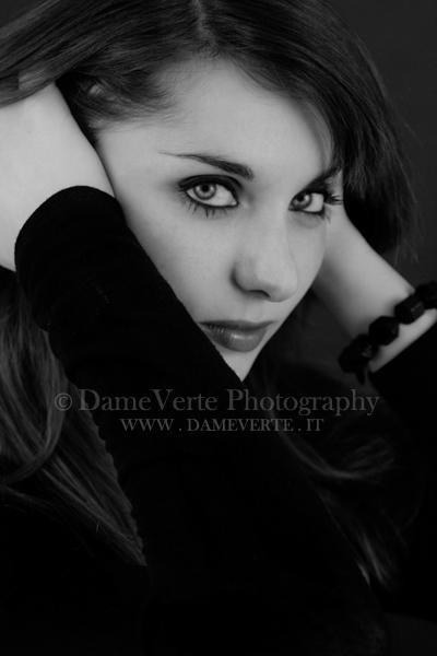 "Mostra Online di Alessandra Montella: ""Sguardi"" - 8. Through Her Eyes"