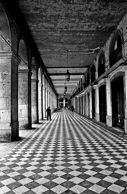 """Mostra online di Alessandro Ruiz """"Dettagli"""" - 6. Camminando"""