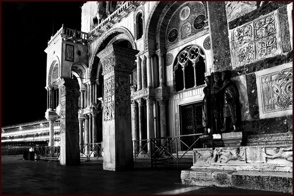 """Mostra online di Alvise Caburlotto """"Particolari e dintorni"""" - 3. Basilica"""
