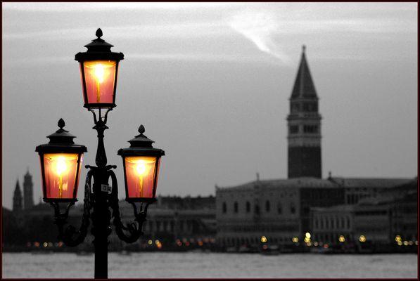 """Mostra online di Alvise Caburlotto """"Particolari e dintorni"""" - 5. Una luce verso sera"""