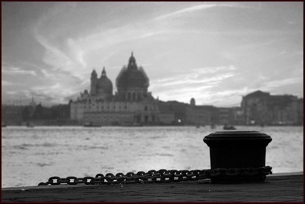 """Mostra online di Alvise Caburlotto """"Particolari e dintorni"""" - 9. Legami"""