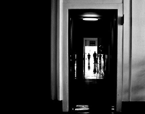 """Mostra online di Andrea Gasparro: """"Essere uomini"""" - 7. Oltre il buio"""
