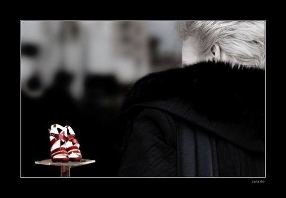 "Mostra online di Carla Rho: ""Pensieri"" - 10. Pensiero frivolo"