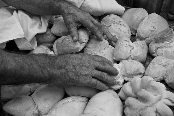 """Mostra online di Carlo Atzori """"Fare il pane in casa"""" - 10. Il cesto"""