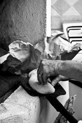 """Mostra online di Carlo Atzori """"Fare il pane in casa"""" - 5. Ultimi ritocchi"""