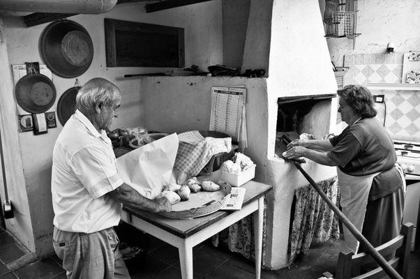 """Mostra online di Carlo Atzori """"Fare il pane in casa"""" - 9. L'ambiente"""
