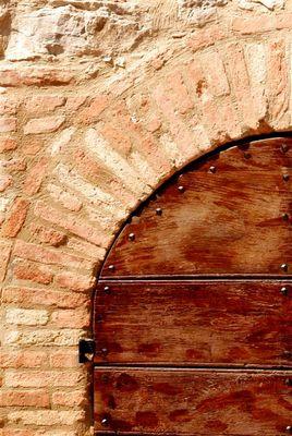 """Mostra online di Enrico Pasini: """"Il castello di Spina"""" - 6. Ingresso 2, chiuso"""