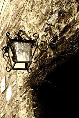 """Mostra online di Enrico Pasini: """"Il castello di Spina"""" - 8. Luce ed ombra"""