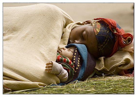 """Mostra online di Giancarlo Crocicchia """"Viaggiare l'Africa"""" - 1. Amore per strada"""