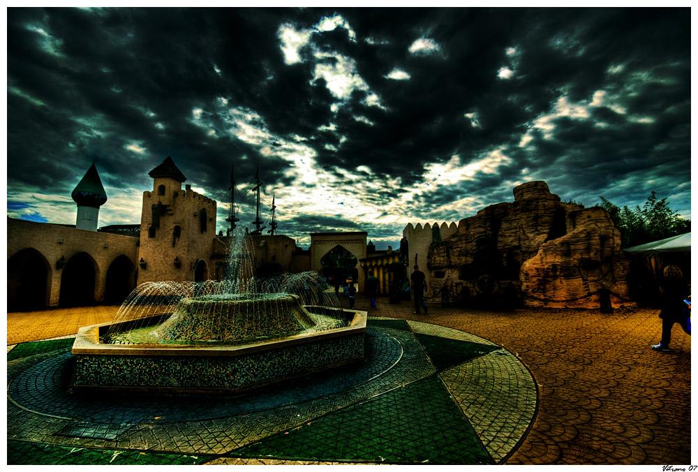 "Mostra online di Gianmarco Vetrano: ""Fearland"" - 8. Piazza-pazzia"