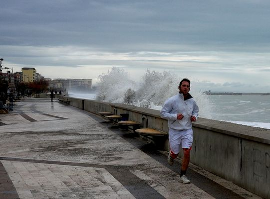 """Mostra online di Gianni Morrone """"Water"""" - 6. Angry tide"""