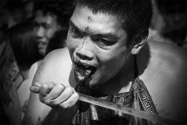 "Mostra online di Glauco e Ambra ""Il Vegetarian Festival a Phuket"" - 9."