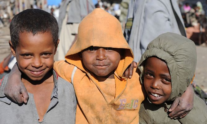"""Mostra online di Heinz Homatsch """"Etiopia... mio futuro"""" - 4. Che bello non andare a scuola!"""