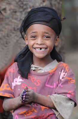 """Mostra online di Heinz Homatsch """"Etiopia... mio futuro"""" - 8. Povera... ma serena"""