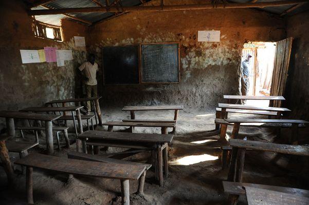 """Mostra online di Heinz Homatsch """"Etiopia... mio futuro"""" - 9. Ecco la scuola..."""