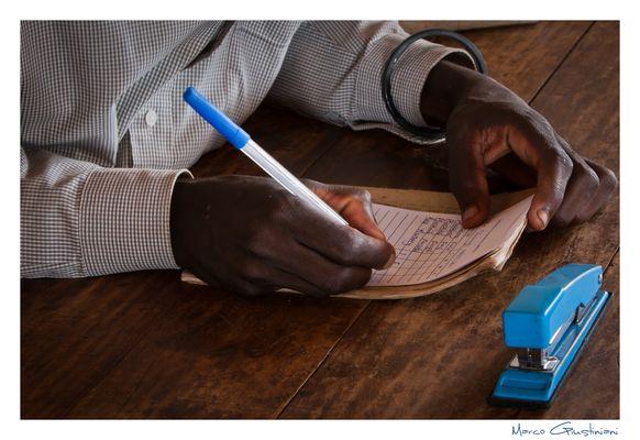 """Mostra online di Marco Giustiniani """"Malawi, sulle colline del tè"""" - 10. I conti di fine giornata"""