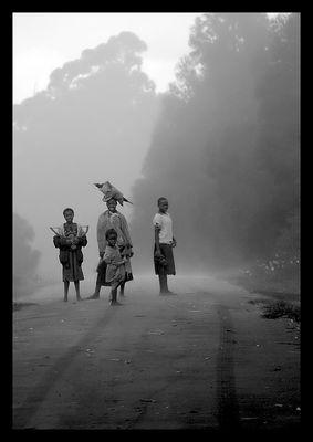"""Mostra online di Marco Pavani: """"Per le strade della Guinea"""" - 2. Il passaggio dell'uomo bianco"""