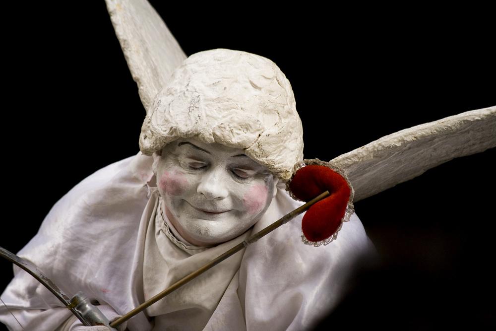"""Mostra online di Maurizio Bartolozzi """"Il palcoscenico della strada"""" - 4. Cupido"""