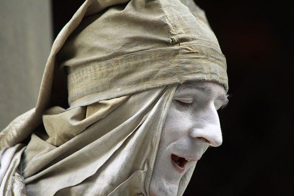 """Mostra online di Maurizio Bartolozzi """"Il palcoscenico della strada"""" - 5. Dante"""