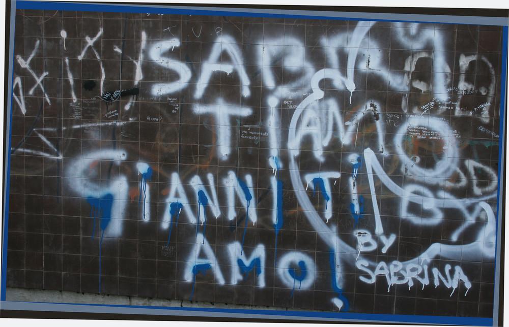 """Mostra online di Nadia Sacenti: """"Quando il cuore..."""" - 8. Parole sui muri"""