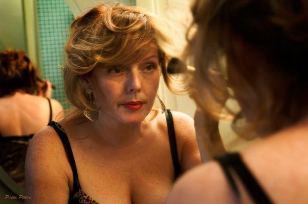"""Mostra online di Paola Pittori: """"Donna: Senso e Sacralità"""" - 2. Trucco sì... Inganno no"""