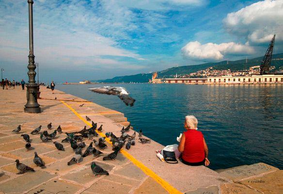 """Mostra online di Rosalba Crosilla """"Trieste"""" - 7. Colazione sul molo"""