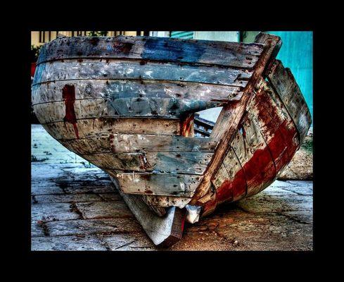 Mostra online di Vincenzo Di Cristina: L'uomo e il mare - 9. Il dolore