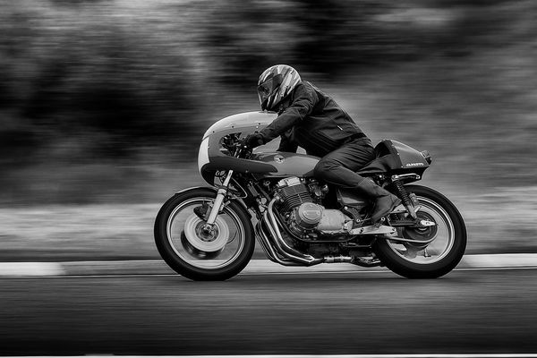 Moto--circuit Carole