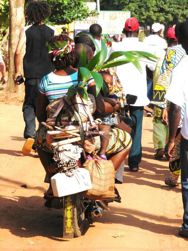 moto taxi au Bénin (zem)