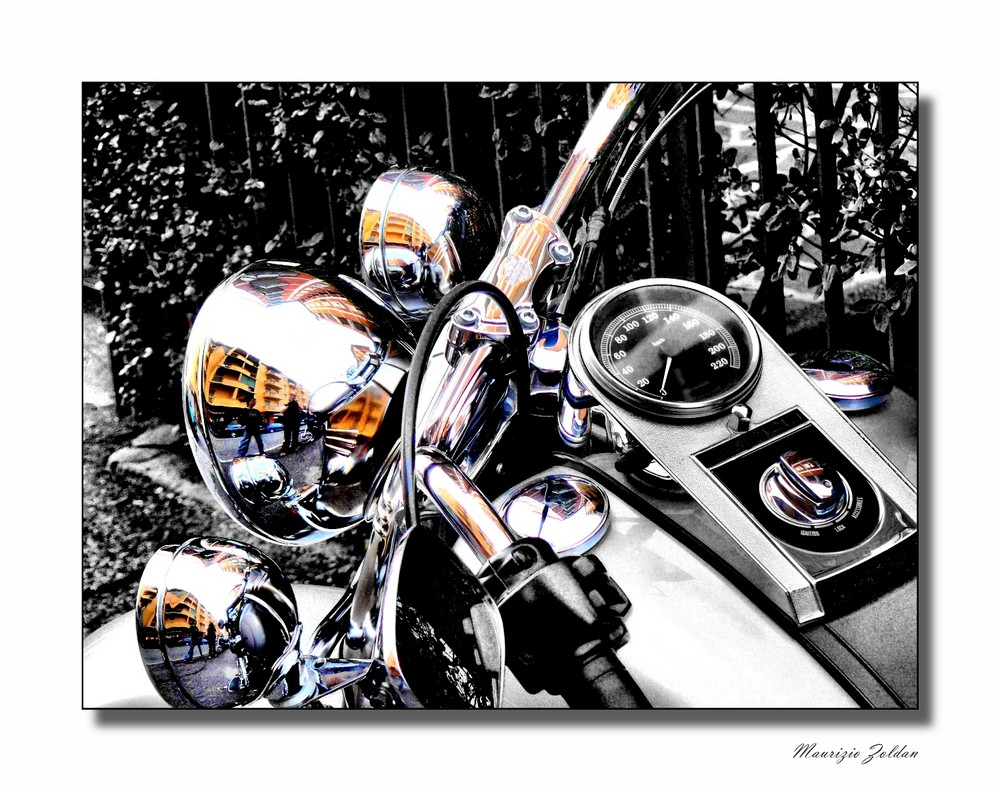 .....Motocicletta, 10 HP, tutta cromata.......