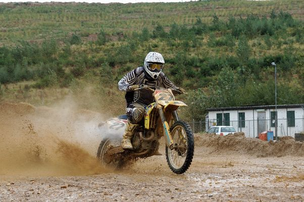 Motocross im Schlamm 3