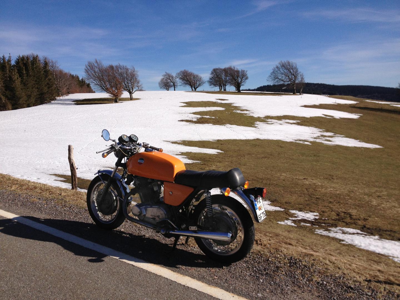 Motorrad Frühling auf dem Schauinsland mit Laverda SF 750