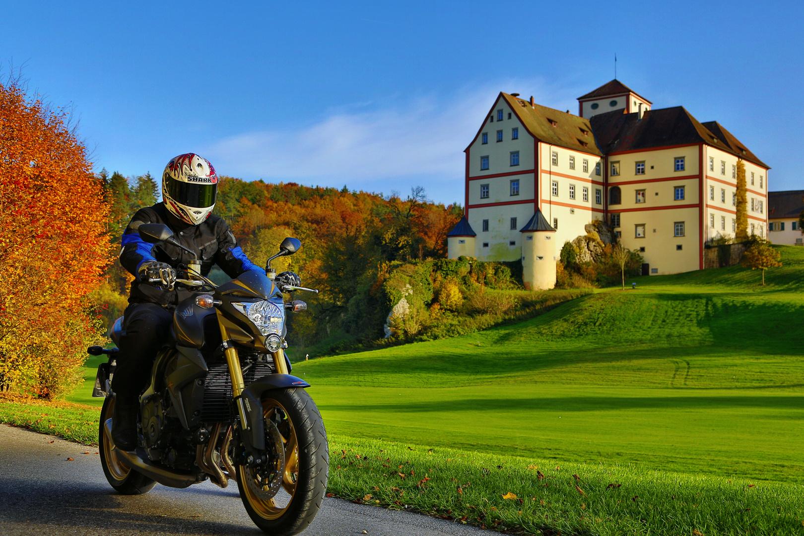 Motorrad und Landschaft