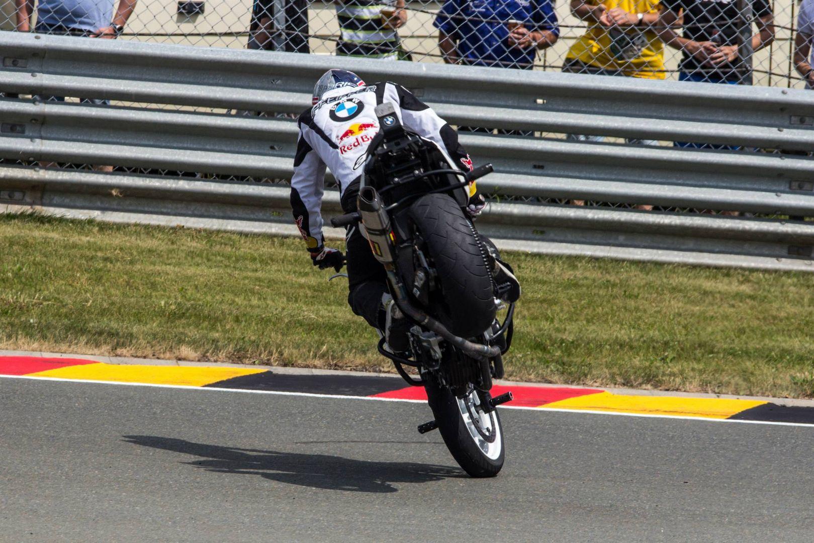 Motorradkunst1