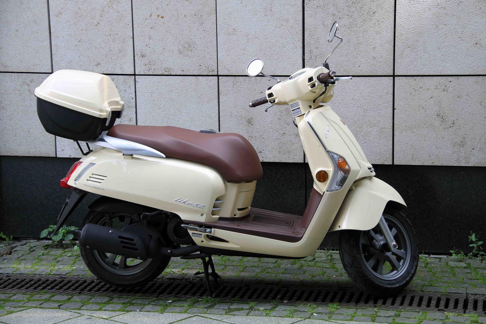 Motorroller 2