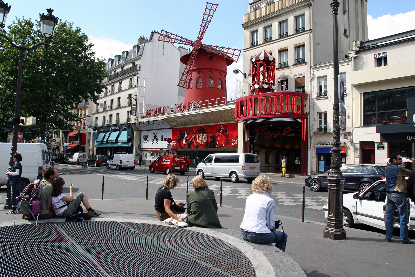 Moulin Rouge am Tage