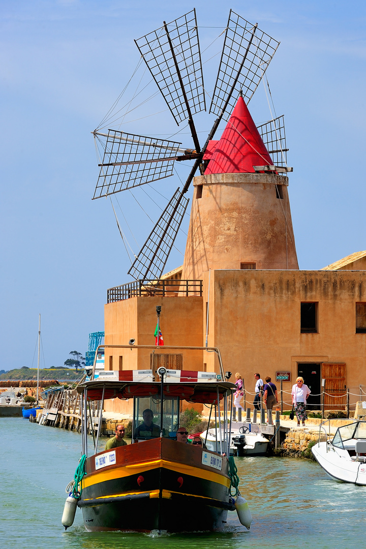 Moulin & Vaporetto de Trapani (17.04.2009)
